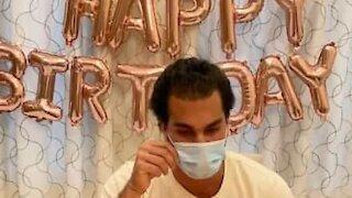 Jovem ensina como comemorar o aniversário em quarentena