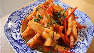 How to make Thai curry fried prawn (Shushee Gung)