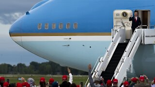 News Outlets Barring Reporters From Flying On Air Force One