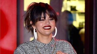 "Selena Gomez Completed ""Safe Hands Challenge"""