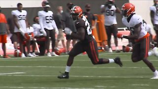 Browns sign 14 players to practice squad, make additional roster moves