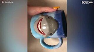 Ce qu'il se passe quand un repose-sachet de thé est oublié durant 2 ans