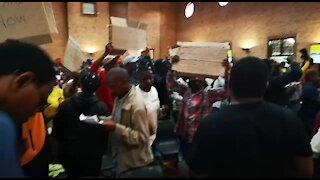 SOUTH AFRICA - Johannesburg - Alexandra residents waiting for mayor (videos) (ncu)