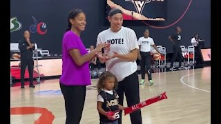 Las Vegas Aces sign contract extension with Dearica Hamby