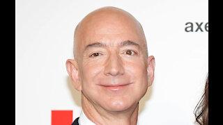Mystery bidder to join Jeff Bezos on spaceflight