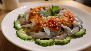 How to make Thai spicy prawns in fish sauce (Kung Chae Nam Pla)