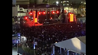Live music returns to downtown Las Vegas with 10,000 fans in attendance