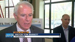 Mayor Barrett pushes to extend streetcar line