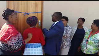 SOUTH AFRICA - Cape Town - Housing handover (video) (CNj)