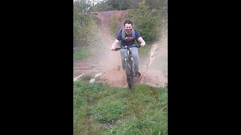 Hilarious Bike Ramp Fail