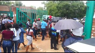 South Africa - Pretoria - Pupils still not placed in schools - Video (QwE)