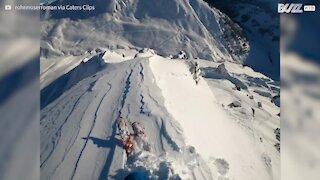 Un skieur dévale les pentes au cœur des majestueuses Alpes
