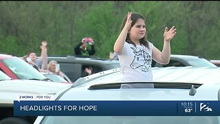 Owasso Shows Support For Hospital Workers