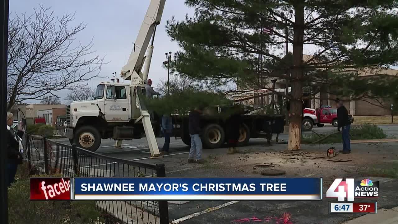 Giant Shawnee Mayor's Christmas tree placed