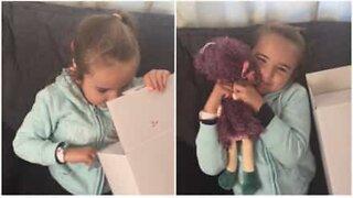 Døv 5-åring får dukketvilling