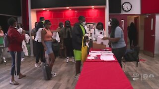 Palm Beach County high school students get tour of Florida colleges