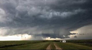 Time-lapse footage captures gathering storm