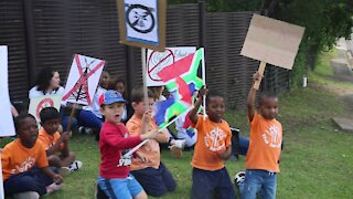 SOUTH AFRICA - Durban - School protest against cellphone tower (Videos) (RGR)