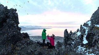 Photographer Proposes To Girlfriend Before Stunning Icelandic Scenery