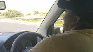 Denne Uber-sjåføren har stemme som en operastjerne