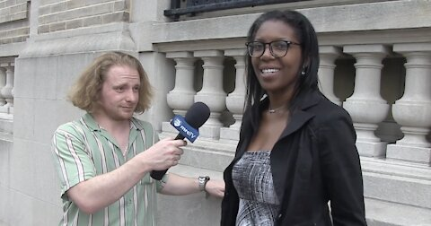 MRCTV On The Street: Hi, I'm From The DNC - Show Me Your Texts!