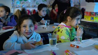 How Syrian Refugee Kids In Chicago Are Celebrating The Holidays