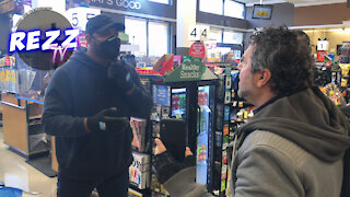 Anti-Maskers CLASH With Maskers At Ralph's Supermarket In Los Angeles
