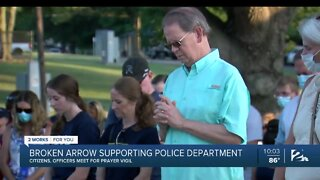Broken Arrow shows support for police with prayer vigil