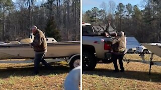 Fishing buddy gets the life scared out of him