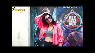 Karishma Tanna Snapped At Sawan Dance Academy Studio in Andheri | SpotboyE
