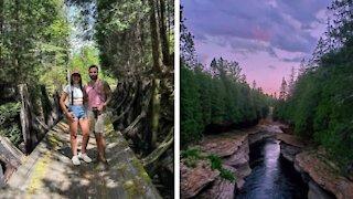 Ce parc à 1 h de Québec cache des ruines et une grotte à découvrir cet été