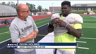 Deaf high school football player shines on and off the field in Bloomfield Hills