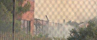 Fire destroyes business complex