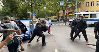 Berlin protest: The police brutality