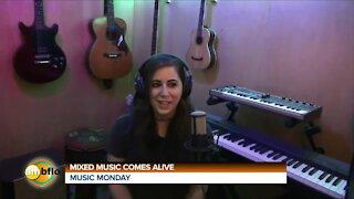 MUSIC MONDAY - MEET SARA ELIZABETH