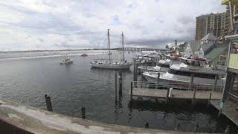 Destin Florida Watch a Ship Dock