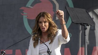 Caitlyn Jenner Mulls Run For California Governor