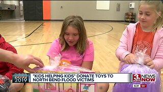 """""""Kids Helping Kids"""" donate toys to North Bend flooding victims"""
