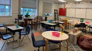 Teacher revolutionizes classroom design by removing desks