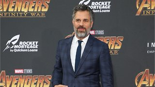 Why Mark Ruffalo Stole Chris Hemsworth's Thor Hammer