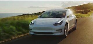 Tesla offers test drives in Las Vegas Saturday