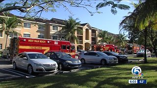 Apartment fire displaces 5 people in West Palm Beach