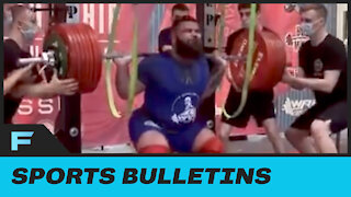 Powerlifter Breaks BOTH Of His Knees During Squat That Goes HORRIBLY Wrong