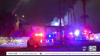 Large fire breaks out at Phoenix apartment complex