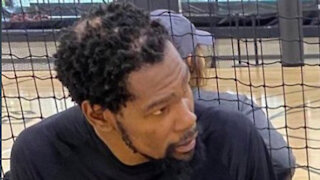 """Kevin Durant Gets Trolled After Photo Of His GIANT Bald Spot Goes Viral: """"KD Going Bald Like LeBron'"""