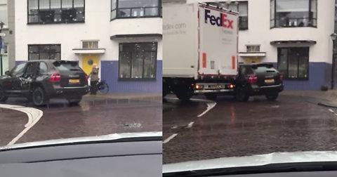 Brutally Hilarious Payback For Porsche's Sh*tty Parking Job
