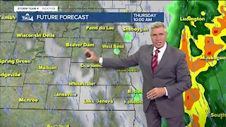 Chance for spotty showers Thursday morning