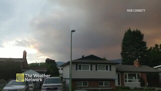 Wildfire smoke in the skies over suburban homes in Kelowna, B.C.