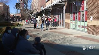 Black Friday shoppers keep tradition alive despite pandemic
