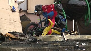 Child, 3, killed in Blue Springs apartment fire
